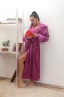 Женский велюровый халат с капюшоном (№803) Брусничный